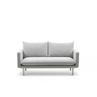 Brunstad Everest sofa – Polster Variant – 3 personers, Brunstad stof dessin – Dessin: Science, Silver, Brunstad stel – Olieret eg