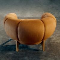 GUBI   Croissant Lounge Chair - Bolighuset Werenberg
