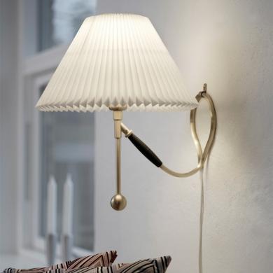 LE KLINT Classic bord-/væglampe | Bolighuset Werenberg